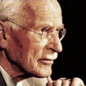 Sebrané spisy Carla Gustava Junga studoval Rob Preece při svém meditačním ústraní v Himalájích. Rob Preece pracuje jako psychoterapeut od roku 1987 a pořádá srovnávací workshopy jungovské a buddhistické psychologie.